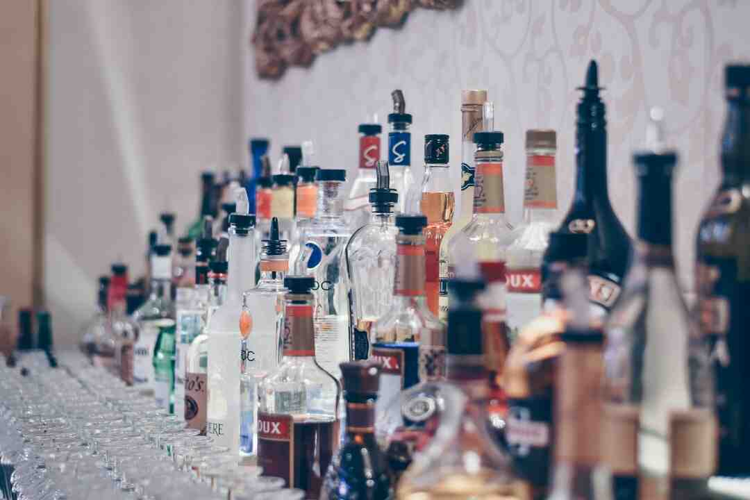 How many drinks per person at a wedding