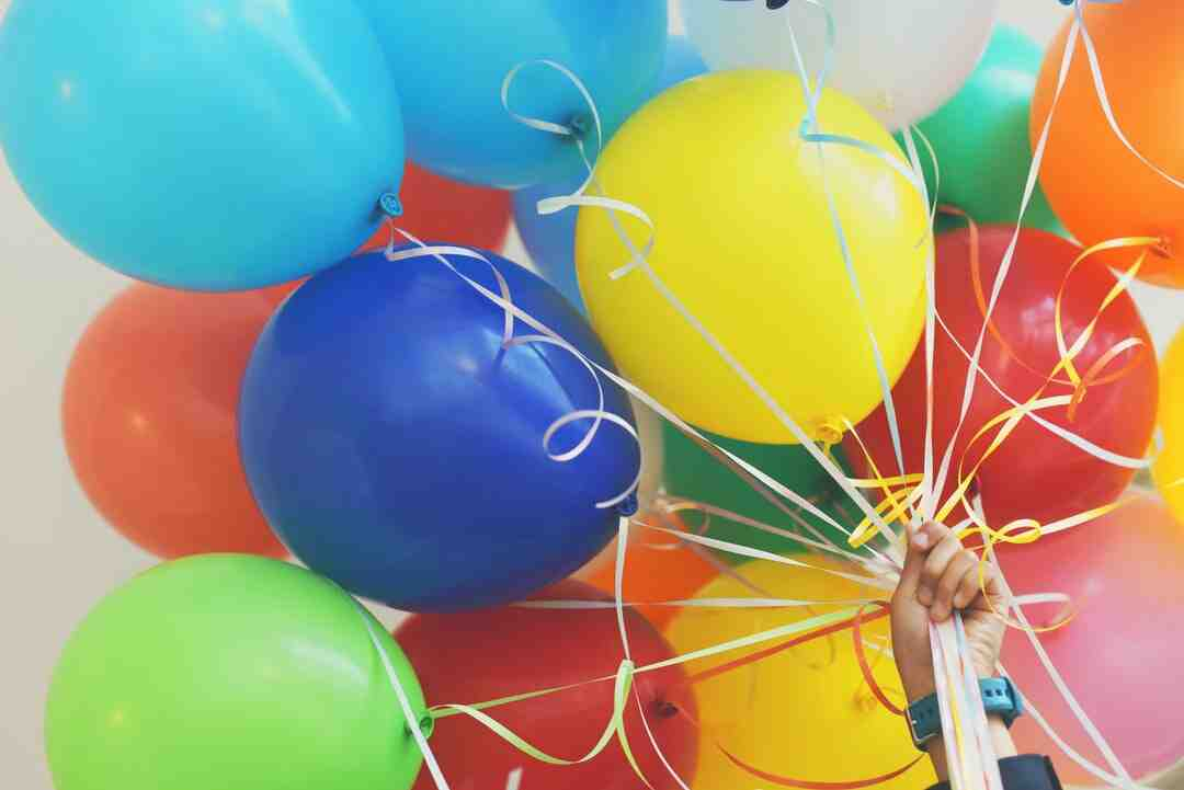 How to Throw a Birthday Party for Ages 12 to 14