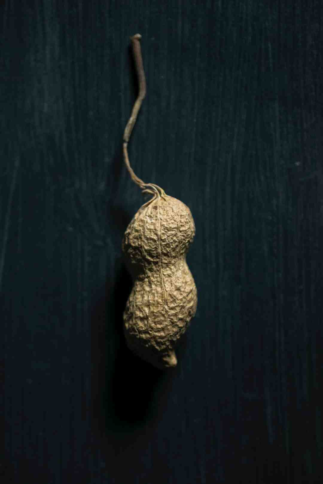 Why raw peanuts are bad for you?